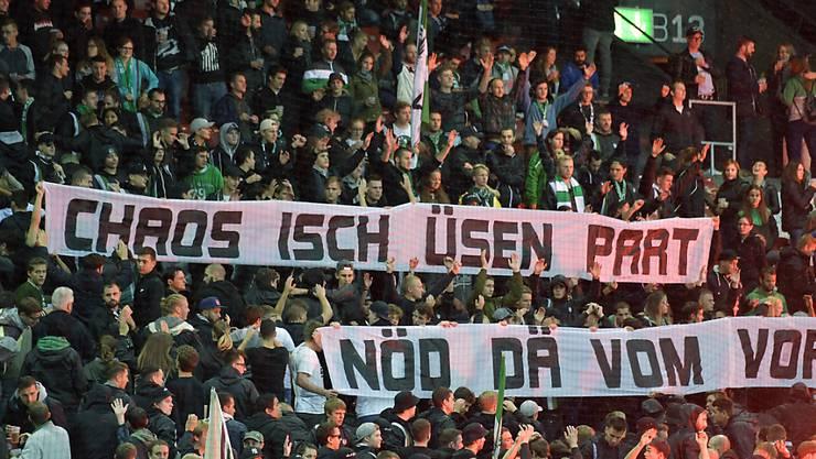 """""""Chaos ist unser Part, nicht der vom Vorstand"""", schrieben die St. Galler Fans auf ein Transparent"""