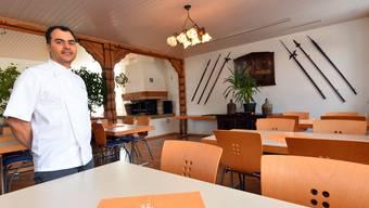 Seit einigen Tagen empfängt im «St. Urs» in Boningen Wirt Samir Rhouma die Gäste (Foto unten im Saal).