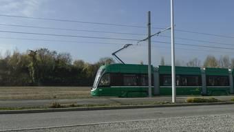 Die Tramlinie 3 erschliesst neu St.Louis in Frankreich. Testfahrt im Niemandsland.
