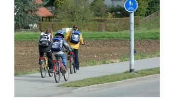 Symbolbild: Stetter und Künter Schüler haben keinen beleuchteten Radweg.