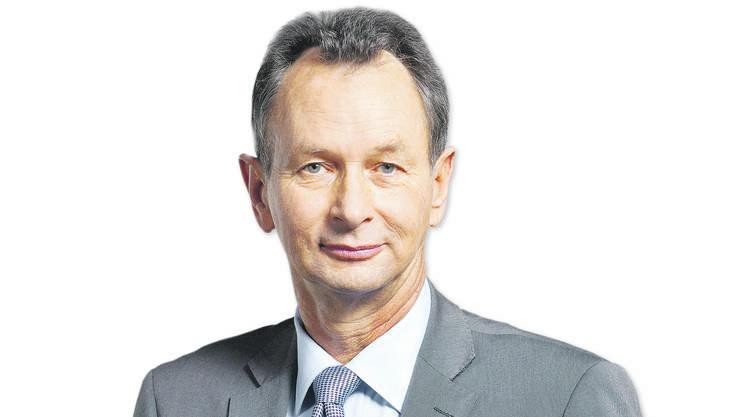 Sein Vorsprung auf alle anderen Politiker – sogar den Zweitplatzierten Geri Müller – ist damit immens. Angriffe gegen andere Parteien und Provokationen platziert er geschickt. Auch sein Unfall bescherte ihm zuletzt viel Medienpräsenz.