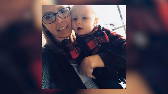 Frau hatet gegen Baby: Rausgeschmissen!
