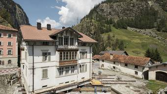 An der Julierstrecke wird eine Villa um einige Meter verschoben, um mehr Platz für den Durchgangsverkehr und Raum für Kultur zu schaffen.