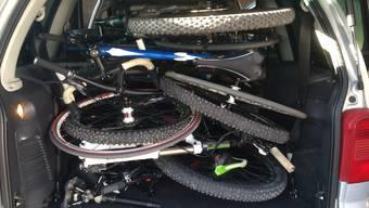 Schweizer Grenzwächter haben in Basel, bei einer Ausreisekontrolle nach Frankreich, mehrere gestohlene Fahrräder entdeckt.