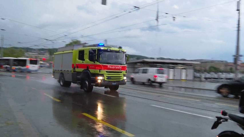 Unwetter: Hunderte Feuerwehreinsätze, Verletzte und ein Todesopfer