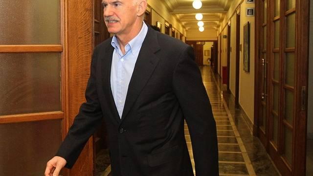 Griechenlands Premier Giorgos Papandreou vor der Sitzung des Ministerrats