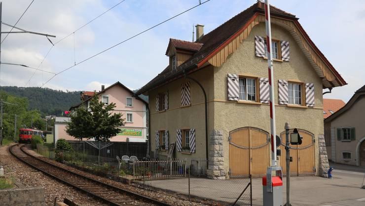 Werden verkauft: Die Gebäude Solothurnerstrasse Nr. 6 (hinten) und Nr. 8.