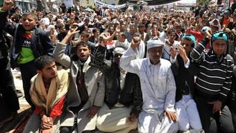 Im Jemen demonstrieren Regime-Gegner nach dem Freitagsgebet