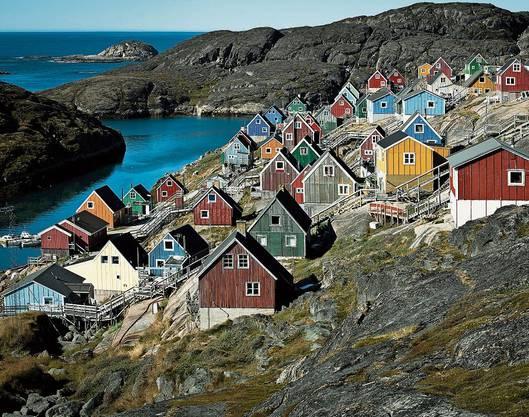 In der Siedlung Kangaamiut wohnen nur 350 Grönländer. Gletscher-Trekking bei Kangerlussuaq.