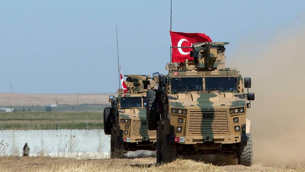Die Türkei stärkt ihre Rüstungsindustrie - Produktvorführung im Kampf