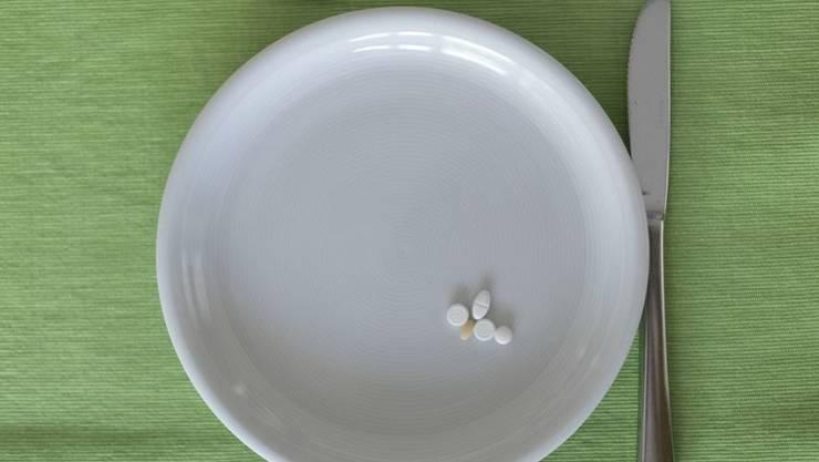 Gemäss einer EU-Statistik fühlen sich 30,4 Prozent der Schweizer durch gesundheitliche Probleme im Alltag beeinträchtigt. Damit liegen sie europaweit auf Platz 10. Am kränksten sind die Letten, am gesündesten die Malteser. (Symbolbild)
