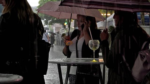 Ohne Regen wärs schöner – aber hey, es ist Tradition!
