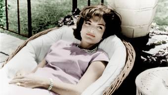 Auch im Zentrum der Macht blieb sie eine Liebhaberin und Förderin der Literatur: Jacqueline Kennedy 1961.RDA/KEYSTONE