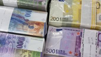 Die Nationalbank gibt den Euro-Mindestkurs auf. (Symbolbild)