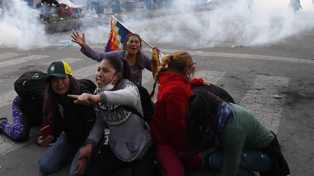 Fünf Morales-Anhänger getötet