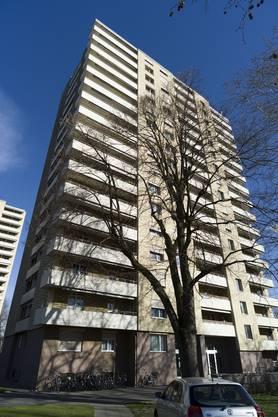230 Kündigungen erreichten die Mieter der Hochhausüberbauung am Schorenweg 20/22 und 30/32.