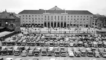 Das waren noch Zeiten: Der Parkplatz der Mustermesse in Basel im April 1937.