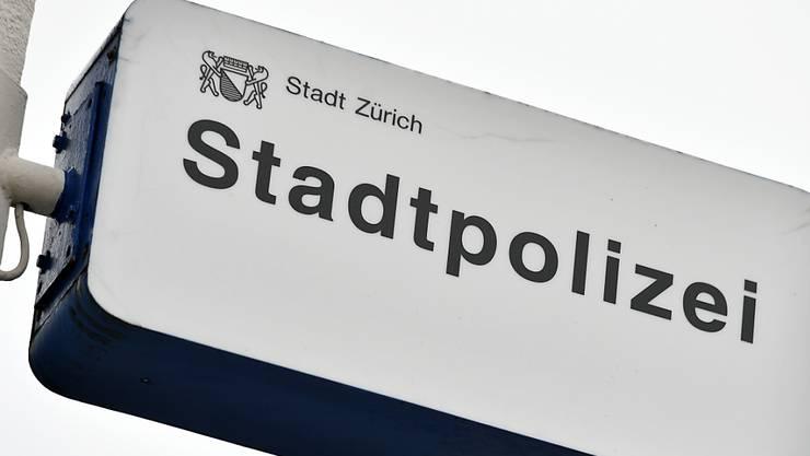 Die Stadtpolizei Zürich informierte am Mittwoch über einen erfolgreichen Telefontrickbetrug. (Symbolbild)