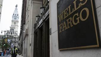 Bis zu 26.000 Stellen könnten bei Wells Fargo wegfallen. Bis 2020 sollen zudem rund 800 Filialen geschlossen werden. (Archivbild)