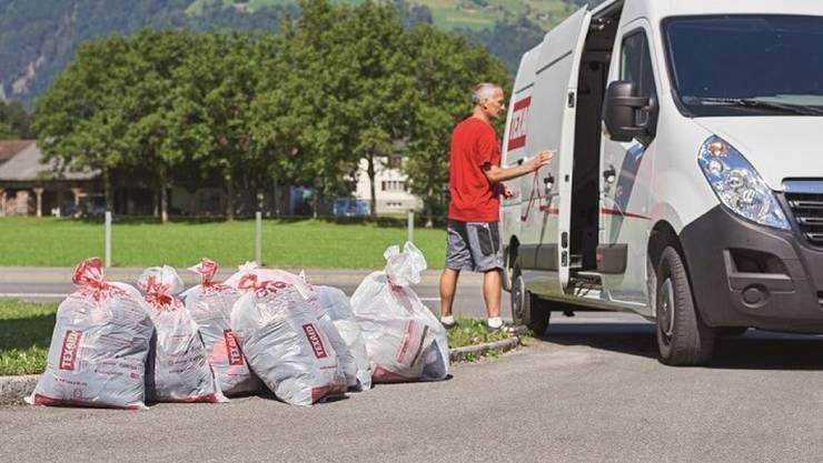 Im vergangenen Jahr hat die Schweizer Bevölkerung über 36'000 Tonnen ausgediente Kleider, Schuhe und Haushaltstextilien via Container und Strassensammlung an Texaid abgegeben.