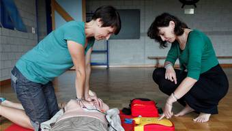 Die Freiwilligen müssen an einem Kurs teilnehmen, um First Responder werden zu können.  (Symbolbild)