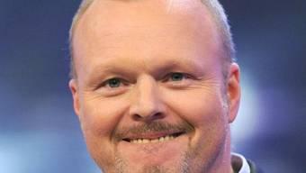 Selbst Knochenbrüche halten Stefan Raab nicht vom Moderieren ab