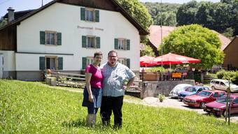 Das Ehepaar Nadia und Markus Stebler wirtet im Restaurant Steinegg.