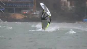 Windsurfing im Sturmtief Joachim am Bielersee