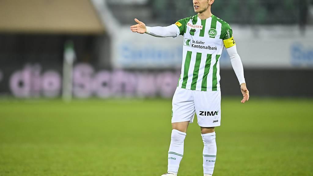 Jordi Quintilla unterschreibt beim FCB