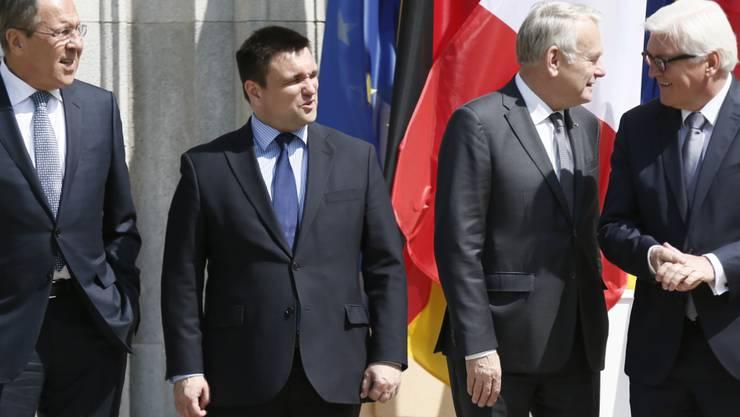 Ihr Gespräch zum Ukraine-Konflikt brachte kaum Fortschritte: Die Aussenminister Sergej Lawrow (Russland), Pawel Klimkin (Ukraine), Jean-Marc Ayrault (Frankreich) und Frank-Walter Steinmeier (Deutschland) (von links nach rechts).