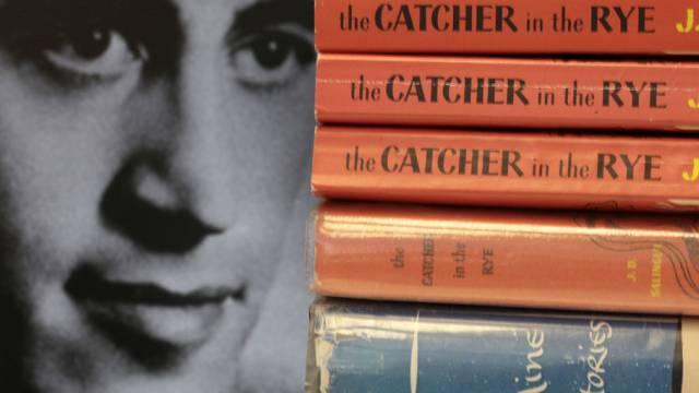 """Kopien von J.D. Salingers Roman """"The Catcher in the Rye"""" (Archiv)"""