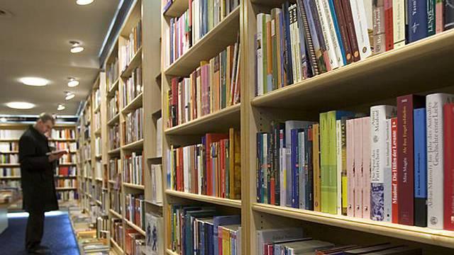 Blick in eine Buchhandlung (Archiv)