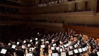 Zum weltbesten Orchester gehört ein ebensolcher Dirigent: Simon Rattle dirigiert die Berliner Philharmoniker in Luzern. PETER FISCHLI /LUCERNE FESTIVAL