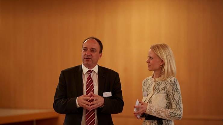Grossratspräsident Markus Dieth mit BENEVOL Aargau Präsidentin Lilian Studer.