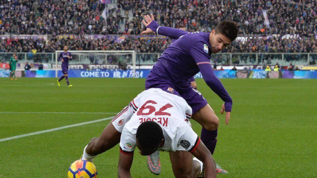 Kein Sieger im Duell zwischen Fiorentina (Simeone/hinten) und Milan (Kessié).