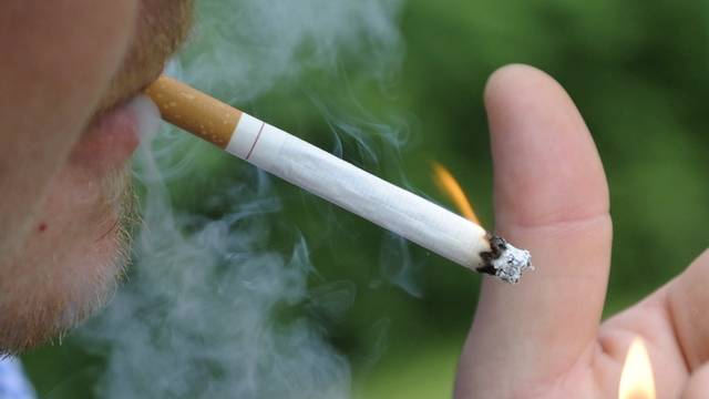 27 Prozent der Schweizer Bevölkerung konsumieren Zigaretten oder andere Tabakprodukte (Symbolbild)