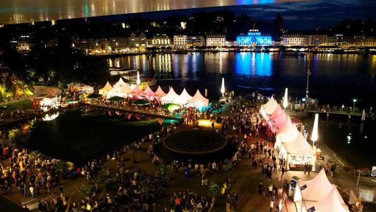 Stadt Luzern lässt Blue Balls im Regen stehen