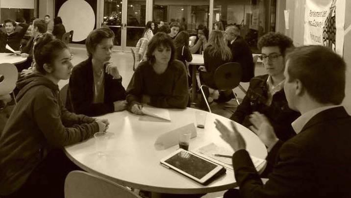Jugendparlament Kanton Solothurn beim Speed Debating.