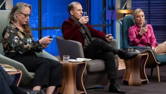 Óscar Gigireys Getränk «Refix» schmeckt nicht allen «Löwen» gleich gut. (Bild: CH Media/TV24)
