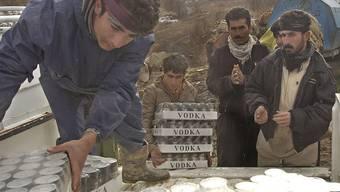 Alkohol-Schmuggler im Iran: Im streng religiösen Land wird viel Alkohol getrunken, trotz drohender Peitschenhiebe.