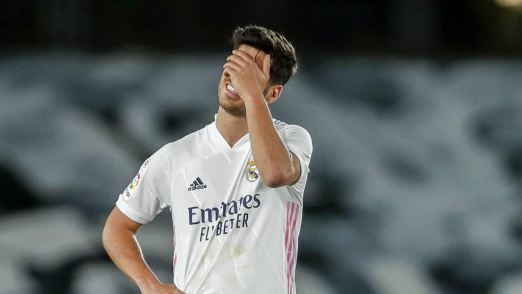 Marco Asensio, der Torschütze zum 1:1, trauert der verpassten Chance nach: Atlético bleibt auf dem 1. Platz