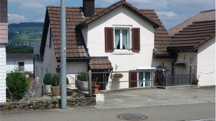 Das Haus an der Göslikerstrasse 25 wird nicht als Asylunterkunft gekauft. ian/az-archiv