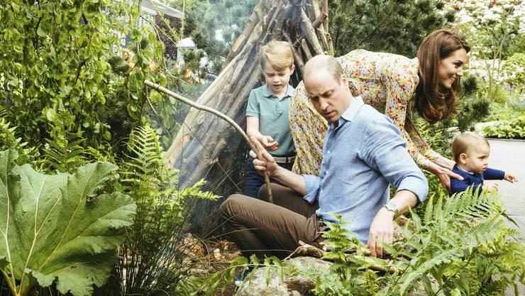 Sonntagsausflug ins Grüne: Prinz George, Prinz William, Herzogin Kate und Prinz Louis.