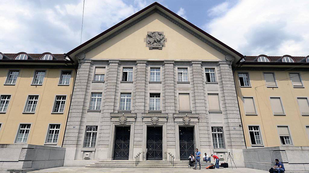 Italienischer Treuhänder wird unmittelbar nach Urteilseröffnung im Bezirksgericht Zürich verhaftet. (Archiv)