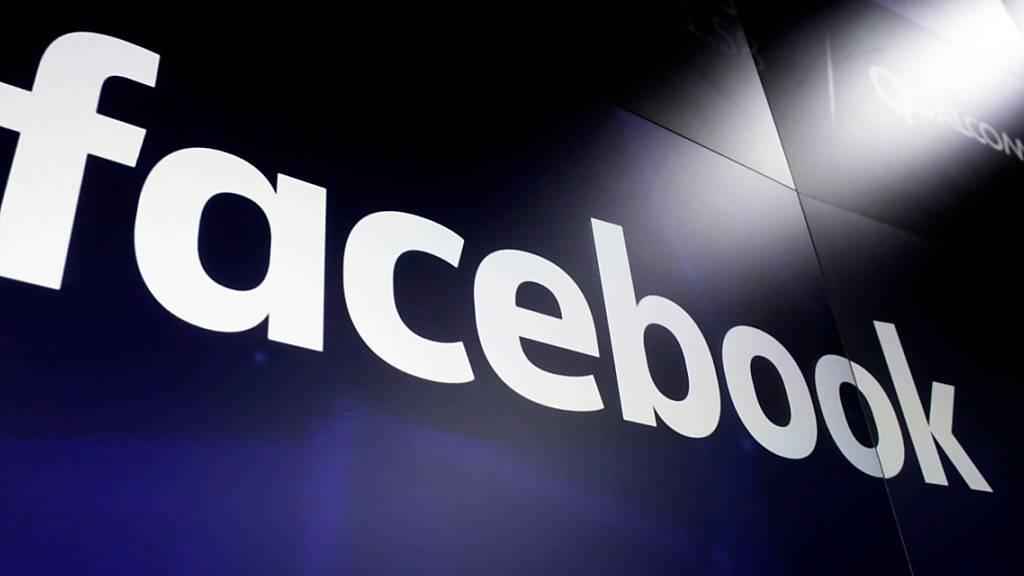 Journalisten und Verlage fordern Strafen für soziale Netze