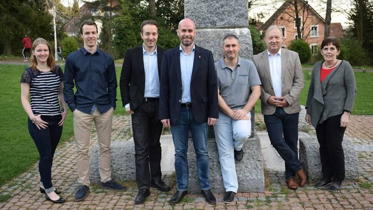 Die CVP-Kandidierenden (v.l.): Andrea Heiri, Dominik Heiri, Simon Klaus, Matthias Meier-Moreno, Carmelo Insalaco, Peter Brotschi, Bea Corti. Mike Brotschi