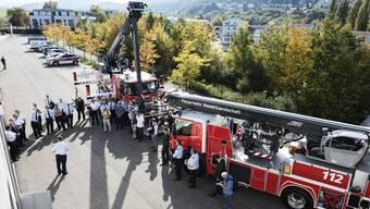Schritt Richtung Zentralisierung: 2017 durften die Stützpunktfeuerwehren Laufen und Sissach – und nur sie – zwei teure Hubretter in Empfang nehmen. Bezahlt von der Gebäudeversicherung und angeschrieben mit «Feuerwehr Basel-Landschaft».