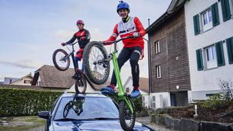 Wer braucht schon Schwerkraft? – Trial-Bike-Fahrer zeigen ihre Tricks