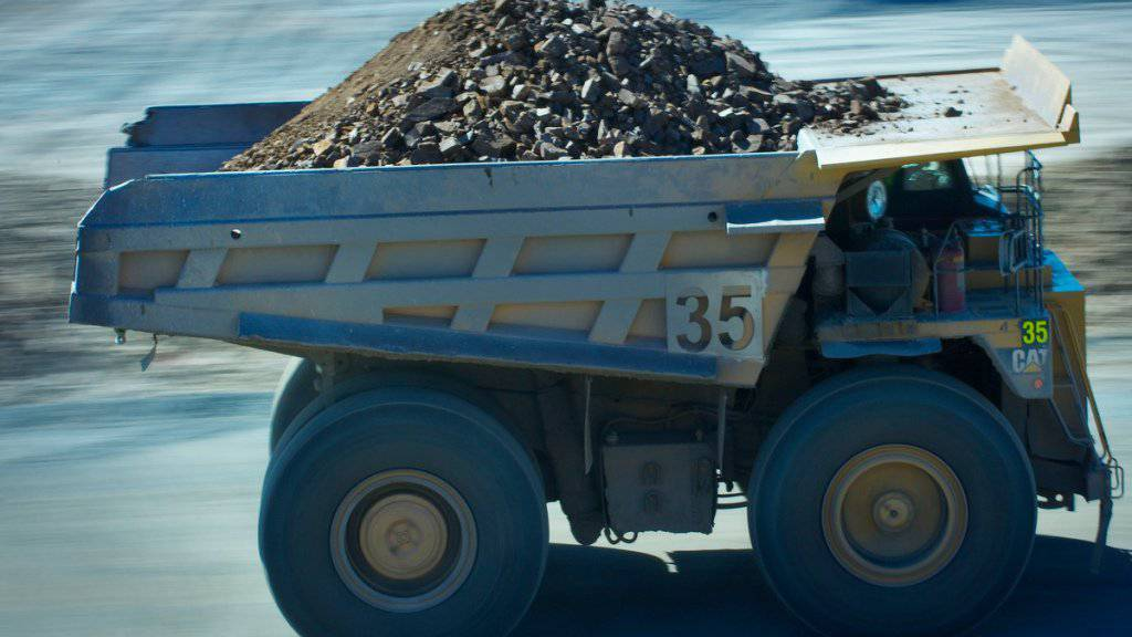 Kipplaster in einer australischen Zinkmine: Glencore hat die Zinkproduktion im ersten Halbjahr trotz dem Einbruch bei den Rohstoffpreisen weiter hochgefahren.