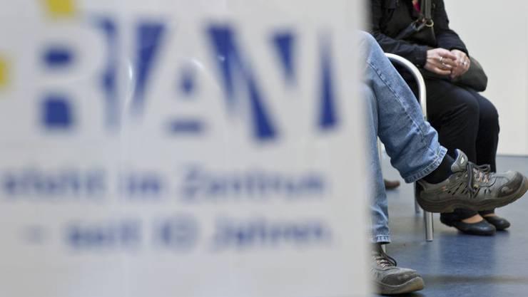 Der Schweizer Arbeitgeberverband sieht die Arbeitslosenquote im 2010 auf 5,7 Prozent ansteigen.